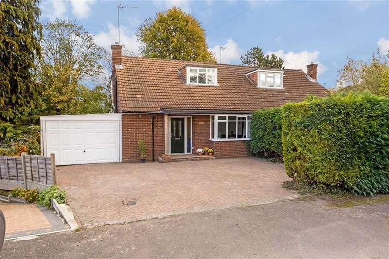 4 Bedrooms Semi Detached House for sale in Wick Avenue, Wheathampstead, Hertfordshire