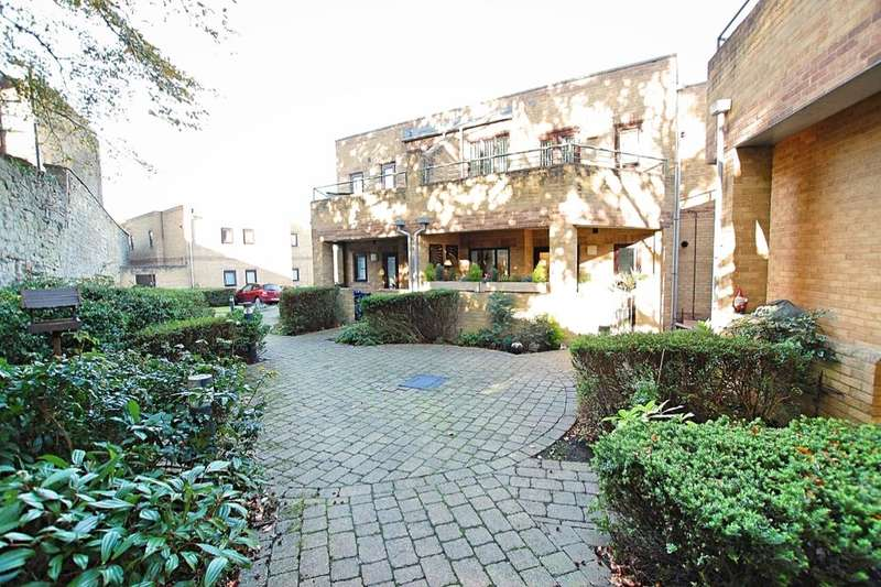 2 Bedrooms Flat for sale in Pool Barton, Keynsham, Bristol, BS31