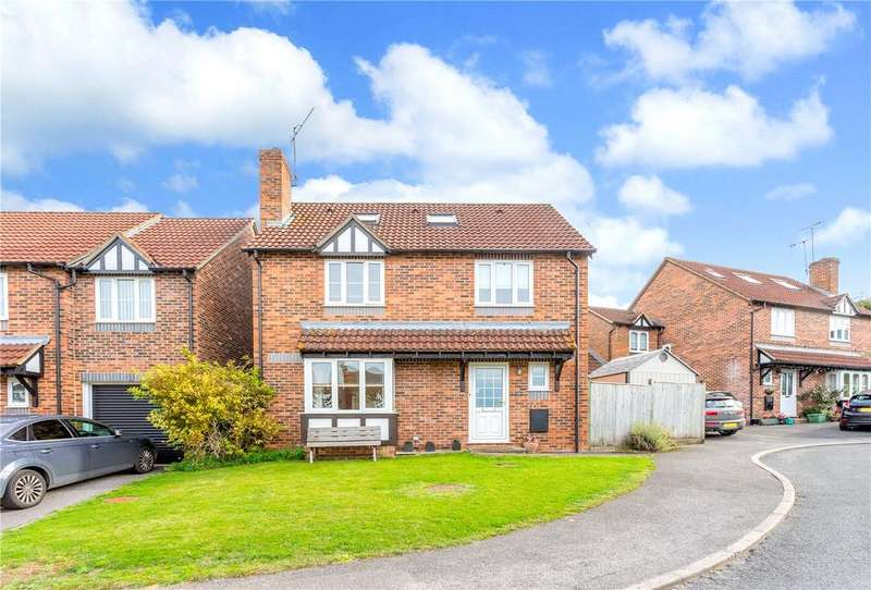 5 Bedrooms Detached House for sale in Cherry Grove, Hungerford, Berkshire, RG17