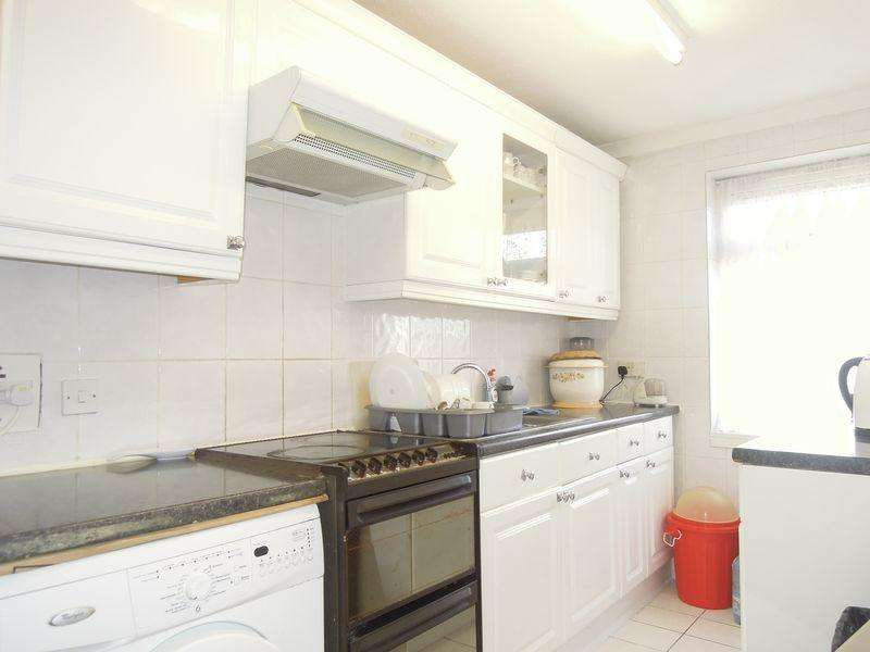 1 Bedroom Flat for sale in Off London Road, Langley