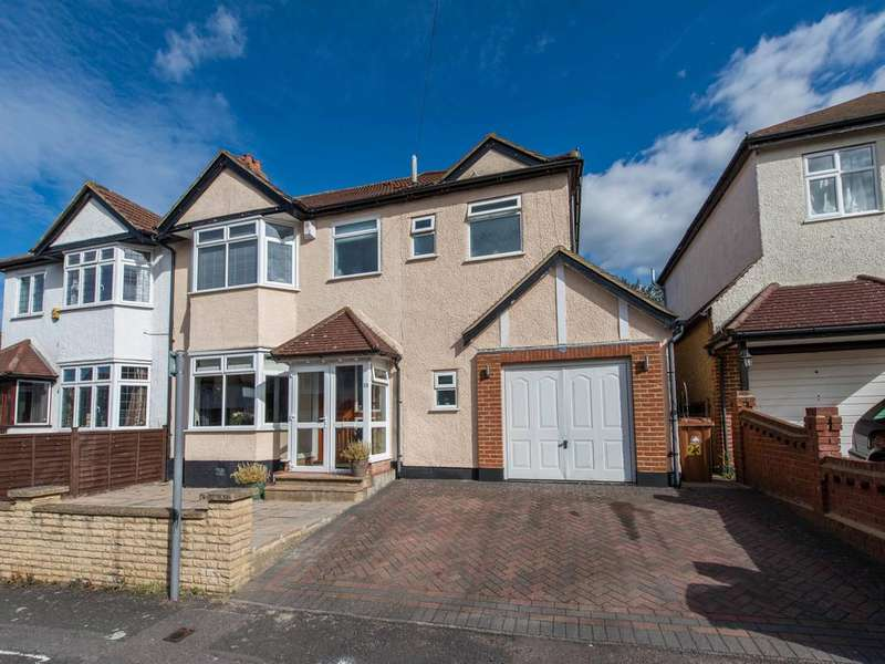 4 Bedrooms Semi Detached House for sale in Barrow Avenue, Carshalton