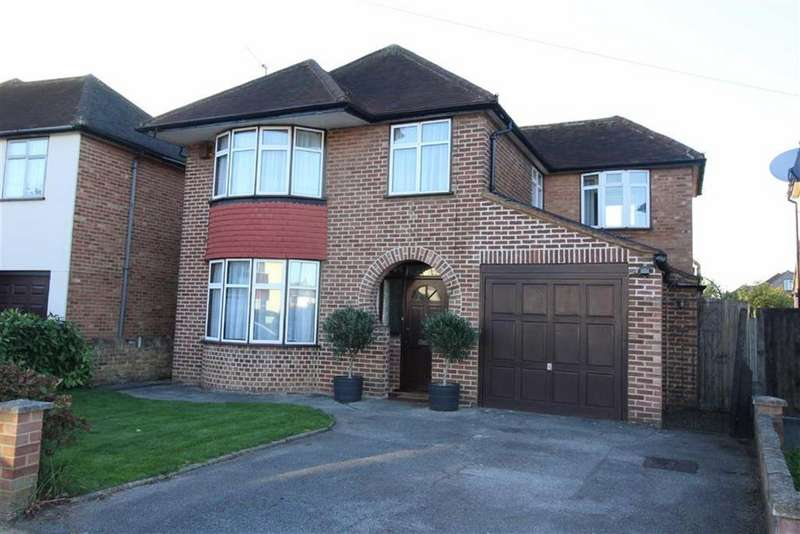 4 Bedrooms Detached House for sale in Buckland Avenue, Langley, Berkshire