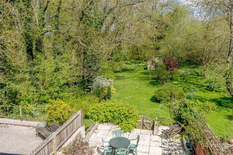 2 Bedrooms Semi Detached House for sale in Foley Cottages, Stockcross, Newbury, Berkshire, RG20