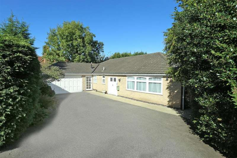 3 Bedrooms Detached Bungalow for sale in St. Davids Crescent, Oadby, Leicester