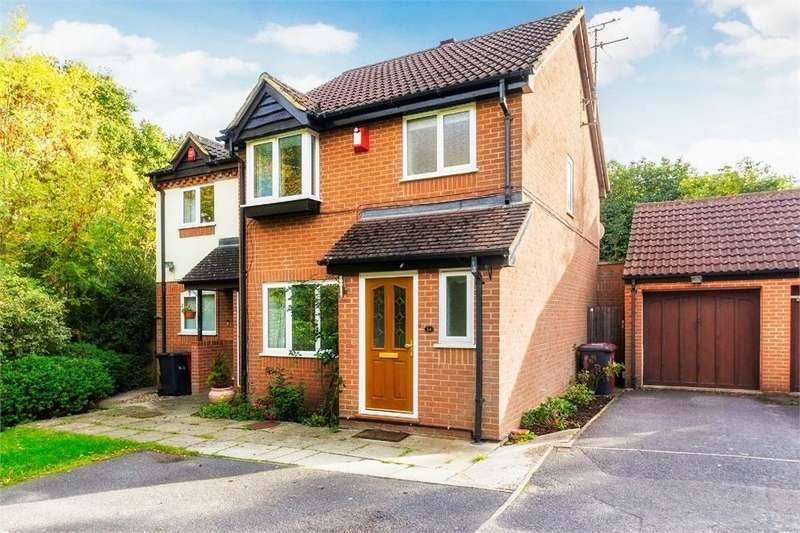 4 Bedrooms Semi Detached House for sale in Littlebrook Avenue, Burnham, Berkshire