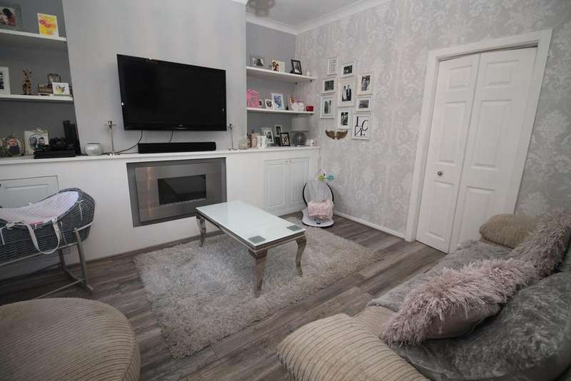 2 Bedrooms Terraced House for sale in Palm Street, Bolton, BL1