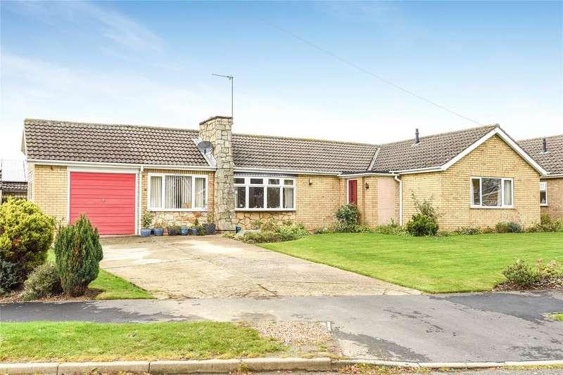4 Bedrooms Detached Bungalow for sale in Pendine Crescent, North Hykeham, LN6