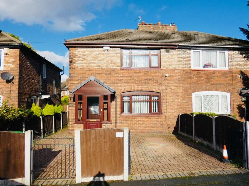 3 Bedrooms Semi Detached House for sale in Lane End Road, Burnage, Manchester, Greater Manchester, M19