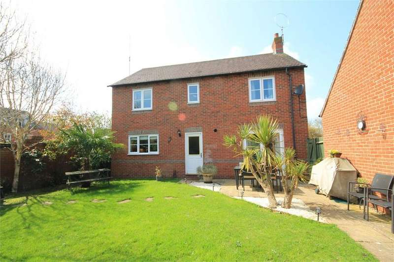 4 Bedrooms Detached House for sale in Deadmans Lane, Greenham, Thatcham, RG19