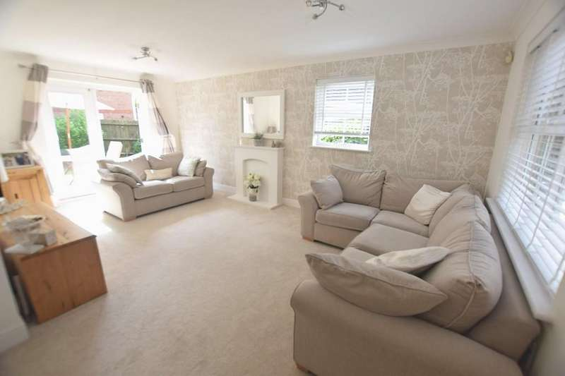 3 Bedrooms Detached House for sale in Mill Park Drive