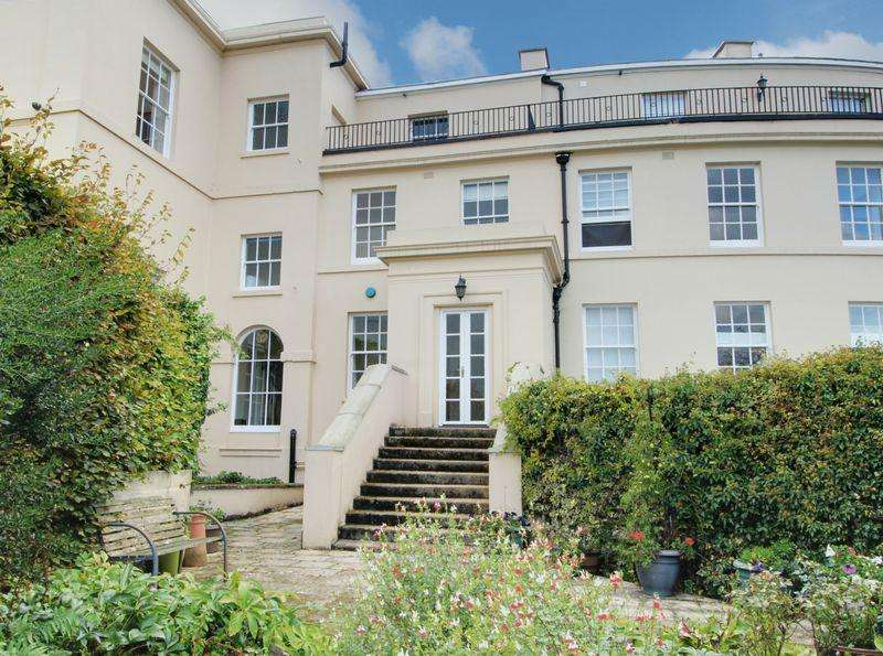 5 Bedrooms Terraced House for sale in Tolmers Park, Newgate Street Village