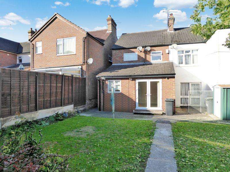 1 Bedroom Maisonette Flat for sale in Periwinkle Lane, Dunstable