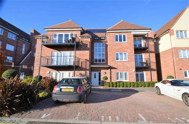 2 Bedrooms Flat for sale in Henry Darlot Drive, Millbrook Park, NW7
