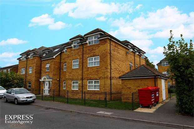 2 Bedrooms Flat for sale in Rutland Avenue, Slough, Berkshire