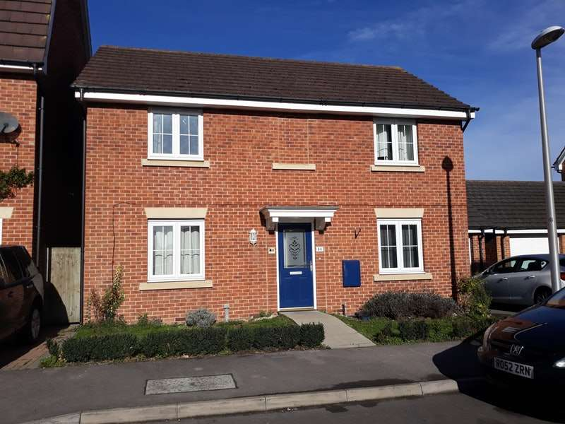 4 Bedrooms Detached House for sale in Imperial Way, Thatcham, Berkshire, RG19