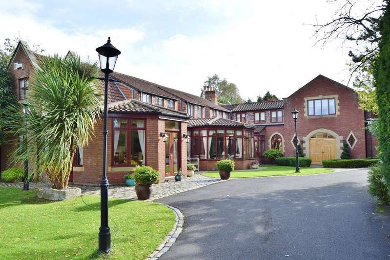 5 Bedrooms Detached House for sale in Runnymede Road, Darras Hall, Ponteland, Newcastle upon Tyne, NE20