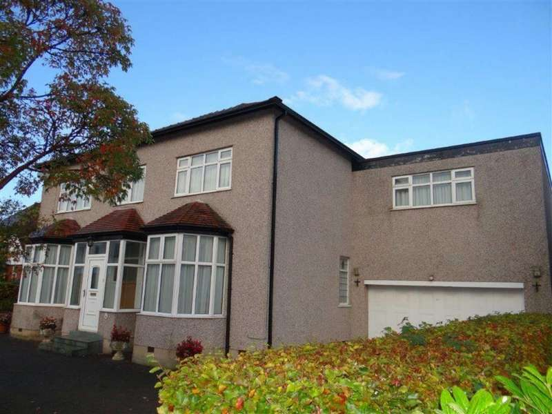 4 Bedrooms Detached House for sale in Beech Grove, Leigh