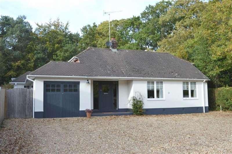 4 Bedrooms Detached Bungalow for sale in Chestnut Grove, Wimborne, Dorset