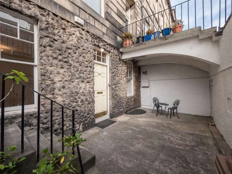 5 Bedrooms Flat for sale in 54a Great King Street, Edinburgh, EH3 6QY