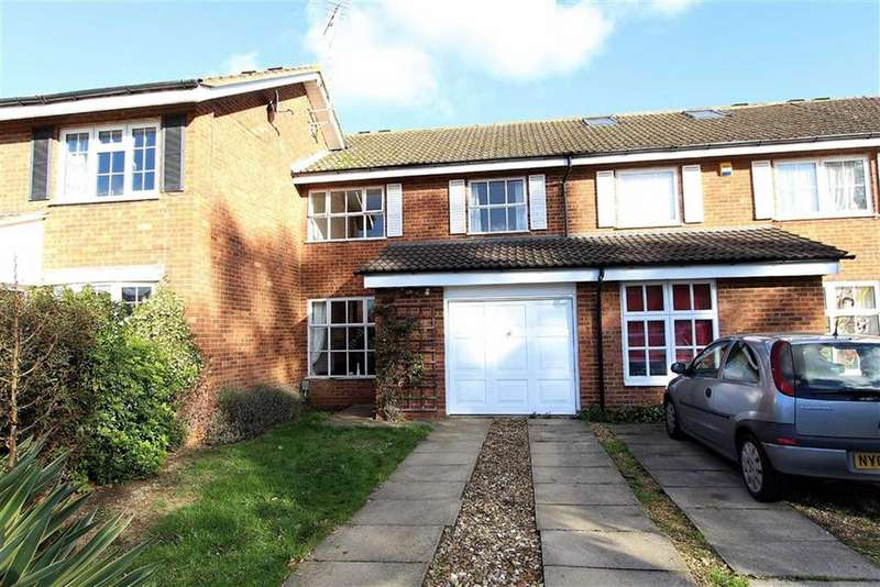 3 Bedrooms Terraced House for sale in Centauri Close, Leighton Buzzard