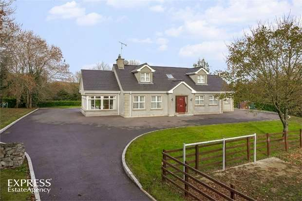 4 Bedrooms Detached House for sale in Drumaroad Hill, Castlewellan, County Down