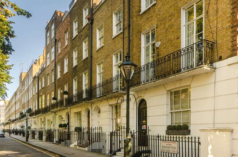 2 Bedrooms Flat for sale in Brompton Square, Knightsbridge, SW3