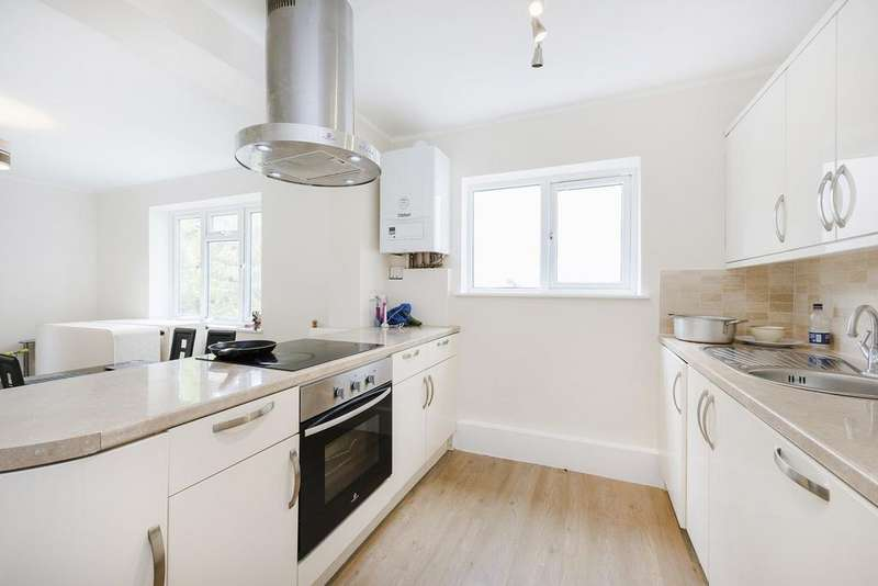 2 Bedrooms Ground Flat for sale in Belvoir Road, Dulwich, SE22