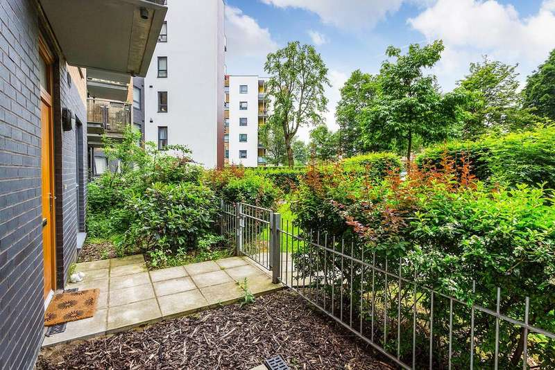 1 Bedroom Flat for sale in All Saints Road, South Acton, W3