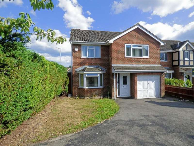 4 Bedrooms Detached House for sale in Waytown Close, Canford Heath
