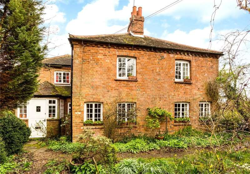 4 Bedrooms Country House Character Property for sale in Elm Grove Cottage, Monks Alley, Binfield, Bracknell, Berkshire, RG42 5PB