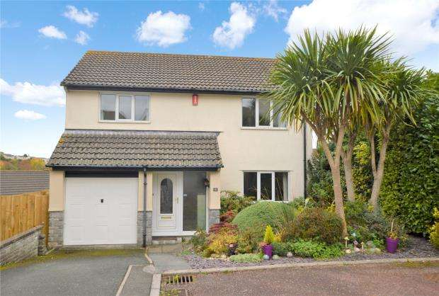 4 Bedrooms Detached House for sale in Newnham Close, Plymouth, Devon