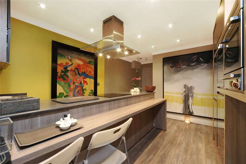 3 Bedrooms Flat for sale in Chimneys Court, 119 Ridgway, Wimbledon, London, SW19