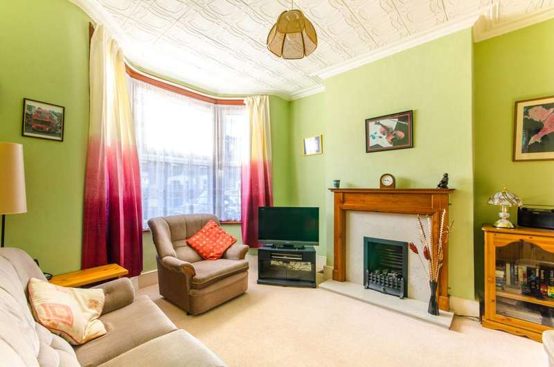 2 Bedrooms House for sale in Livingstone Road, Walthamstow Village, E17