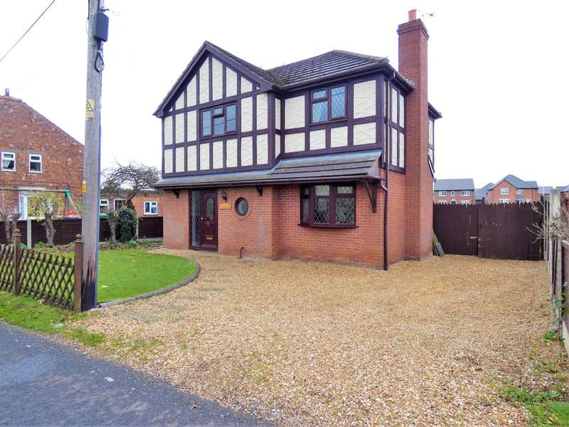 3 Bedrooms Detached House for sale in Stoneley Road, Crewe, Cheshire, CW1