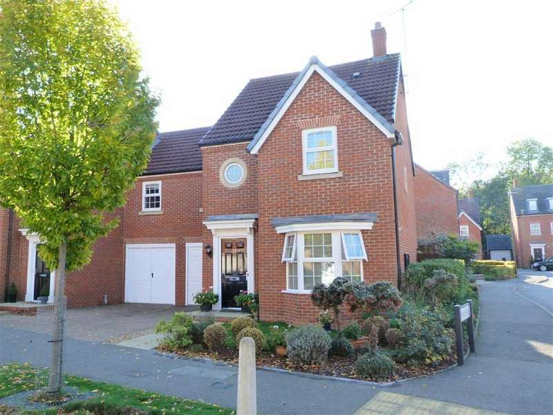 4 Bedrooms Semi Detached House for sale in Langstone Ley, Welwyn Garden City