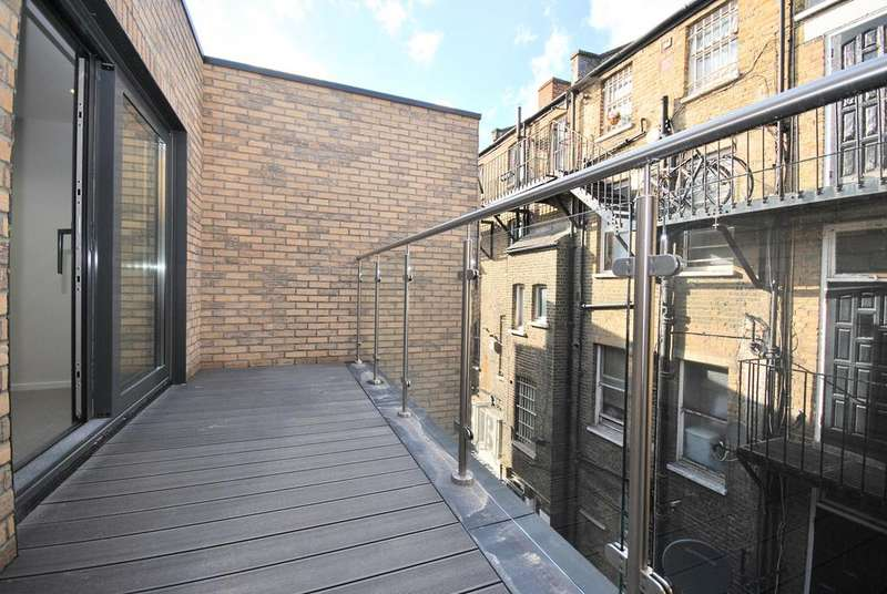 3 Bedrooms Flat for sale in Boundary Lane Walworth SE17