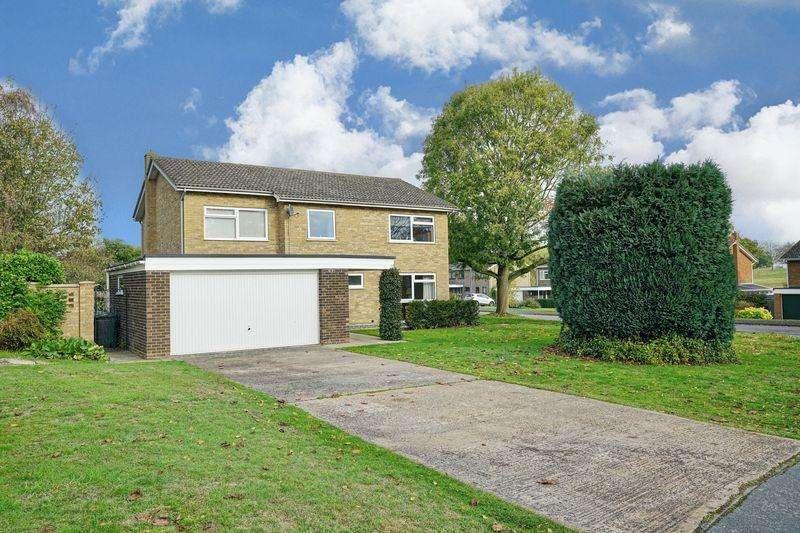 5 Bedrooms Detached House for sale in Elm Road, Great Stukeley, Huntingdon, Cambridgeshire.
