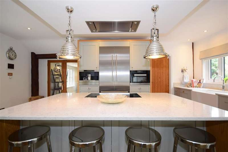 4 Bedrooms Detached House for sale in Church Street, , Billericay, Essex