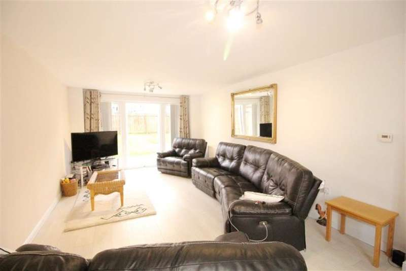 5 Bedrooms Detached House for sale in Cemetery Road, Pudsey, LS28 7HH
