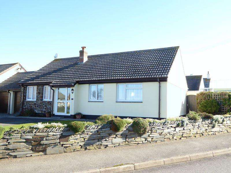 3 Bedrooms Detached Bungalow for sale in Westground Way, Tintagel