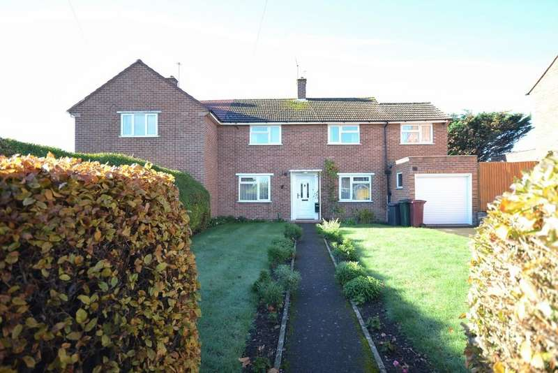 3 Bedrooms Semi Detached House for sale in Ashampstead Road, Reading