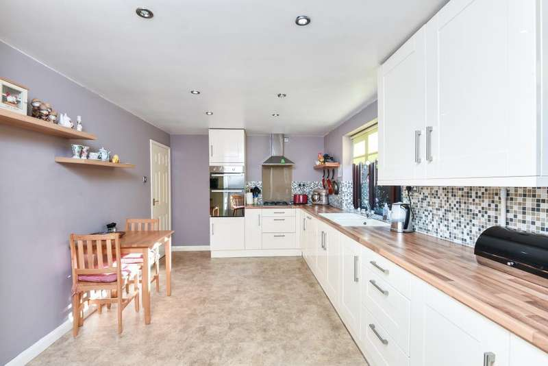 3 Bedrooms Detached Bungalow for sale in Woodcote, Reading, RG8