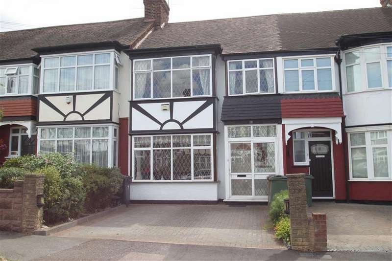 3 Bedrooms Terraced House for sale in Middleton Close, Chingford
