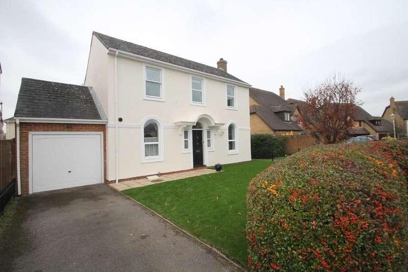 3 Bedrooms Detached House for sale in The Comfrey, Aylesbury