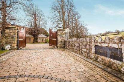 6 Bedrooms Detached House for sale in Isglan Road, Whitford, Holywell, Flintshire, CH8