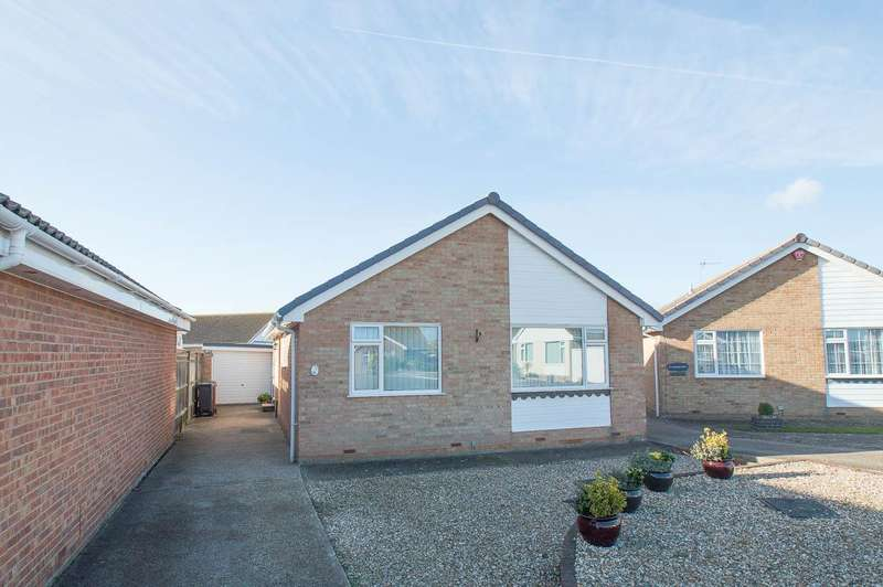2 Bedrooms Detached Bungalow for sale in Fleming Close, Eastbourne