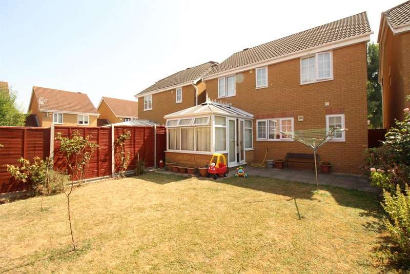 4 Bedrooms Detached House for sale in Challinor, Church Langley
