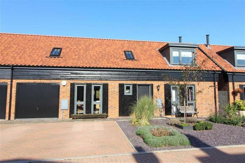 3 Bedrooms Semi Detached House for sale in Hempsted, Gloucester