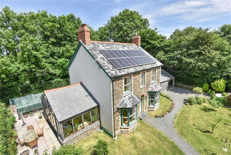 5 Bedrooms Detached House for sale in Shebbear, Nr Beaworthy, Devon, EX21