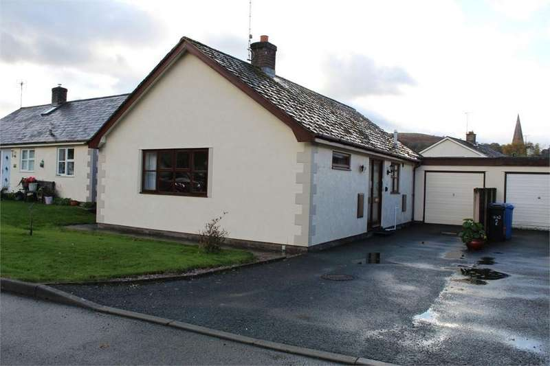 2 Bedrooms Detached Bungalow for sale in Maes Hir, Llandrillo, Corwen, Denbighshire